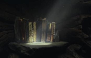 The old Jedi books in 'The Last Jedi'