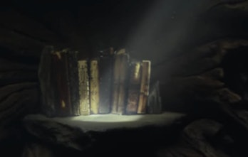 The old Jedi books in 'The Last Jedi'