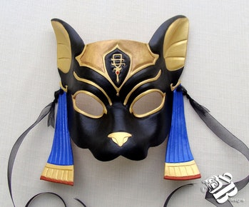 Could the 'Fortnite' cat mask represent the same Egyptian goddess?