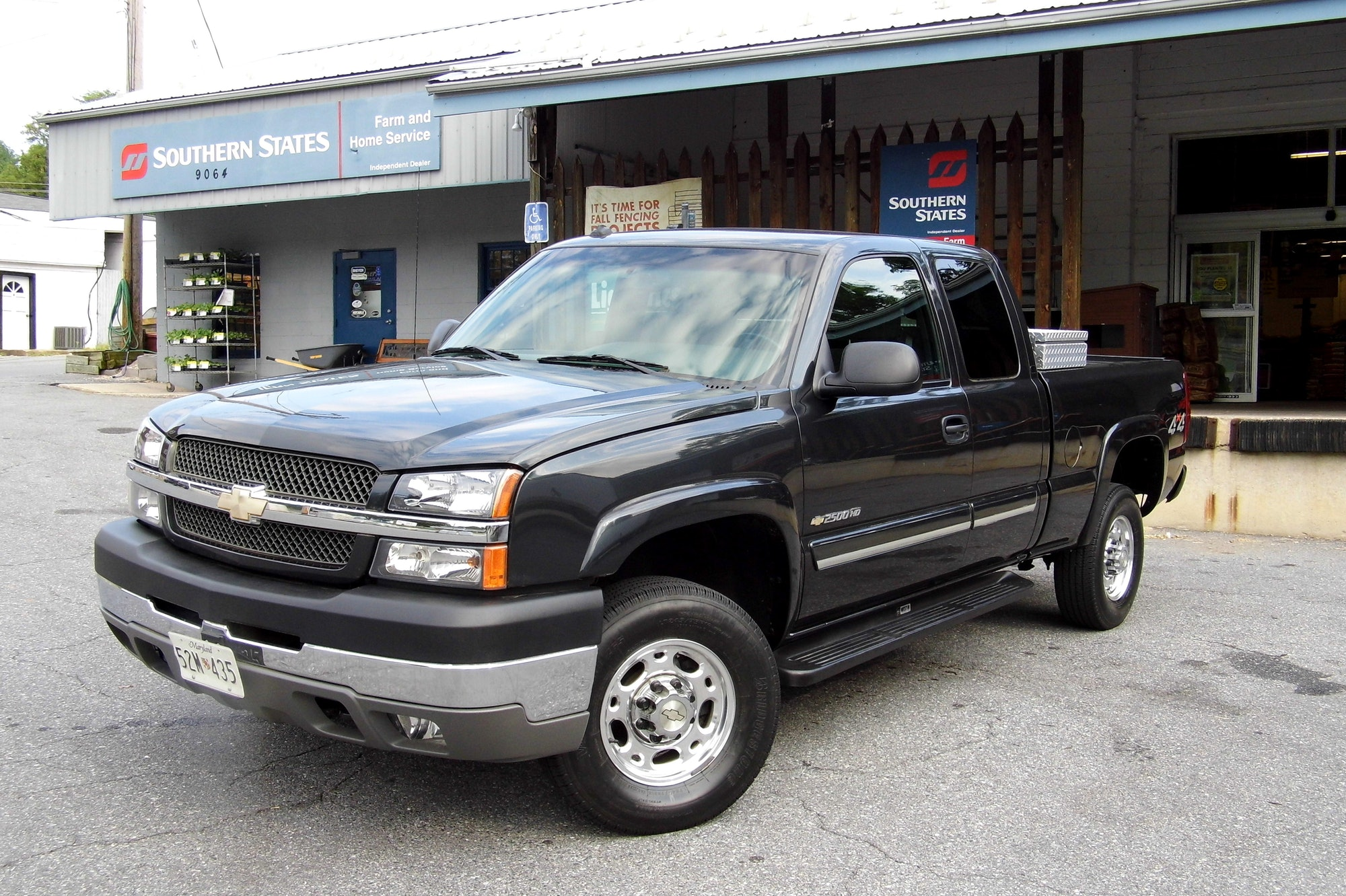 2003 Chevrolet Silverado 2500 HD Pick-Up Truck -- Still Going Strong After 13 Years On The Road, September 2016