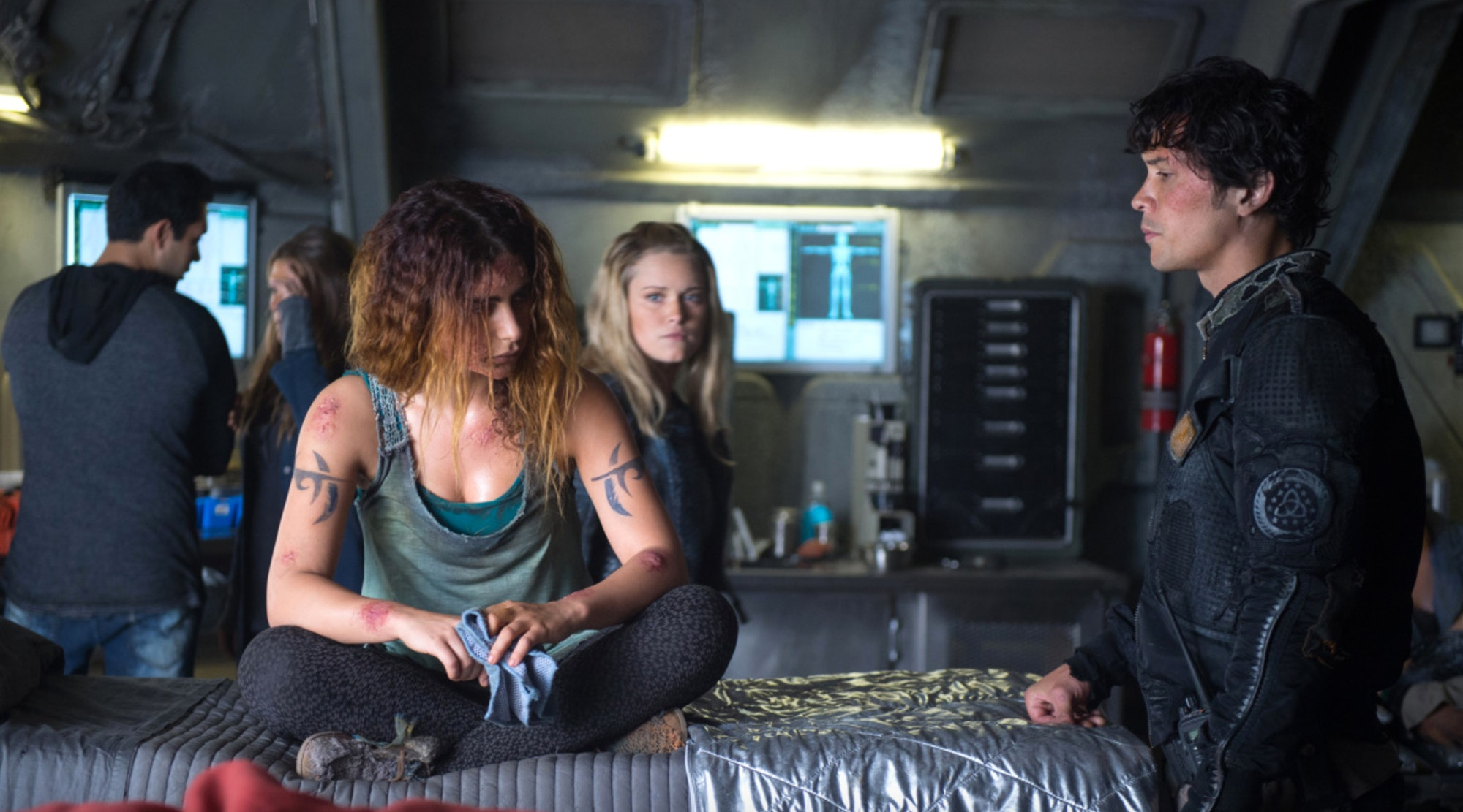 Nadia Hilker, Eliza Taylor, and Bob Morley in 'The 100'