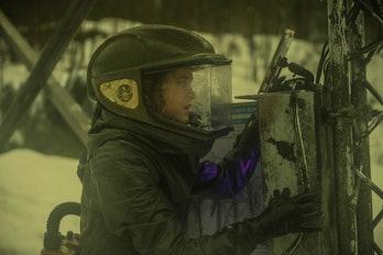Eliza Taylor as Clarke Griffin in 'The 100' Season 4 finale 'Praimfaya'