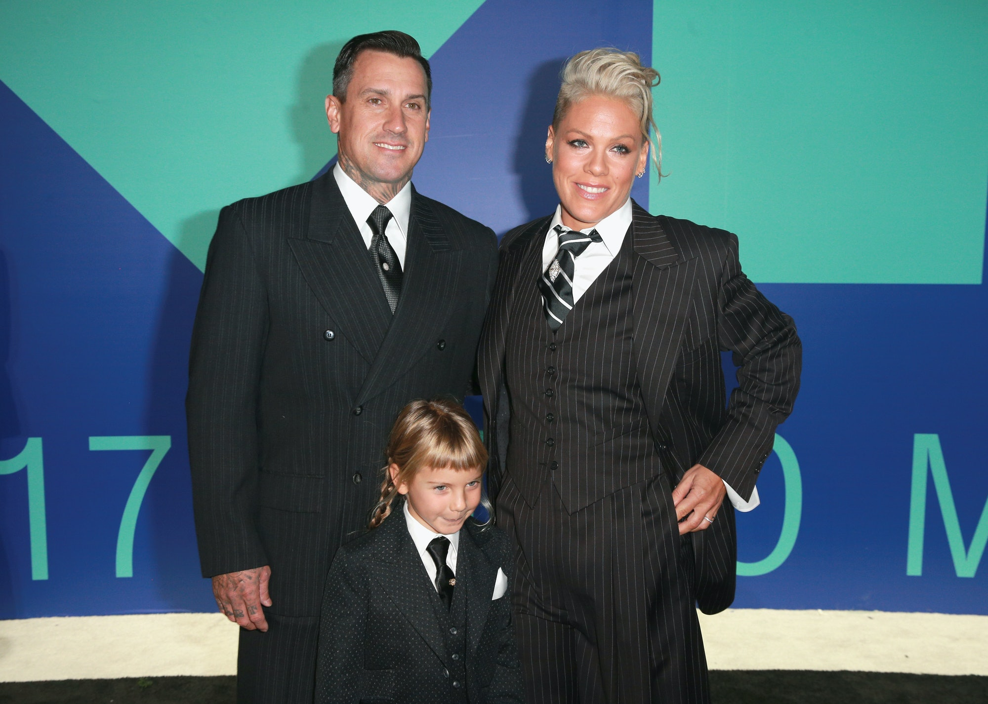 INGLEWOOD, CA - AUGUST 27: (L-R) Carey Hart, Willow Sage Hart, and Pink attend the 2017 MTV Video Music Awards at The Forum on August 27, 2017 in Inglewood, California. (Photo by Rich Fury/Getty Images)