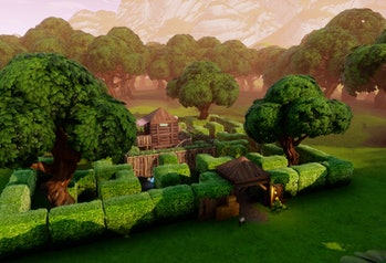 The hedge maze in 'Fortnite' isn't that difficult to navigate.