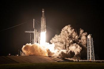 Falcon Heavy at night.