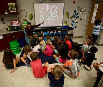 Jonathan Juravich teaching his class.