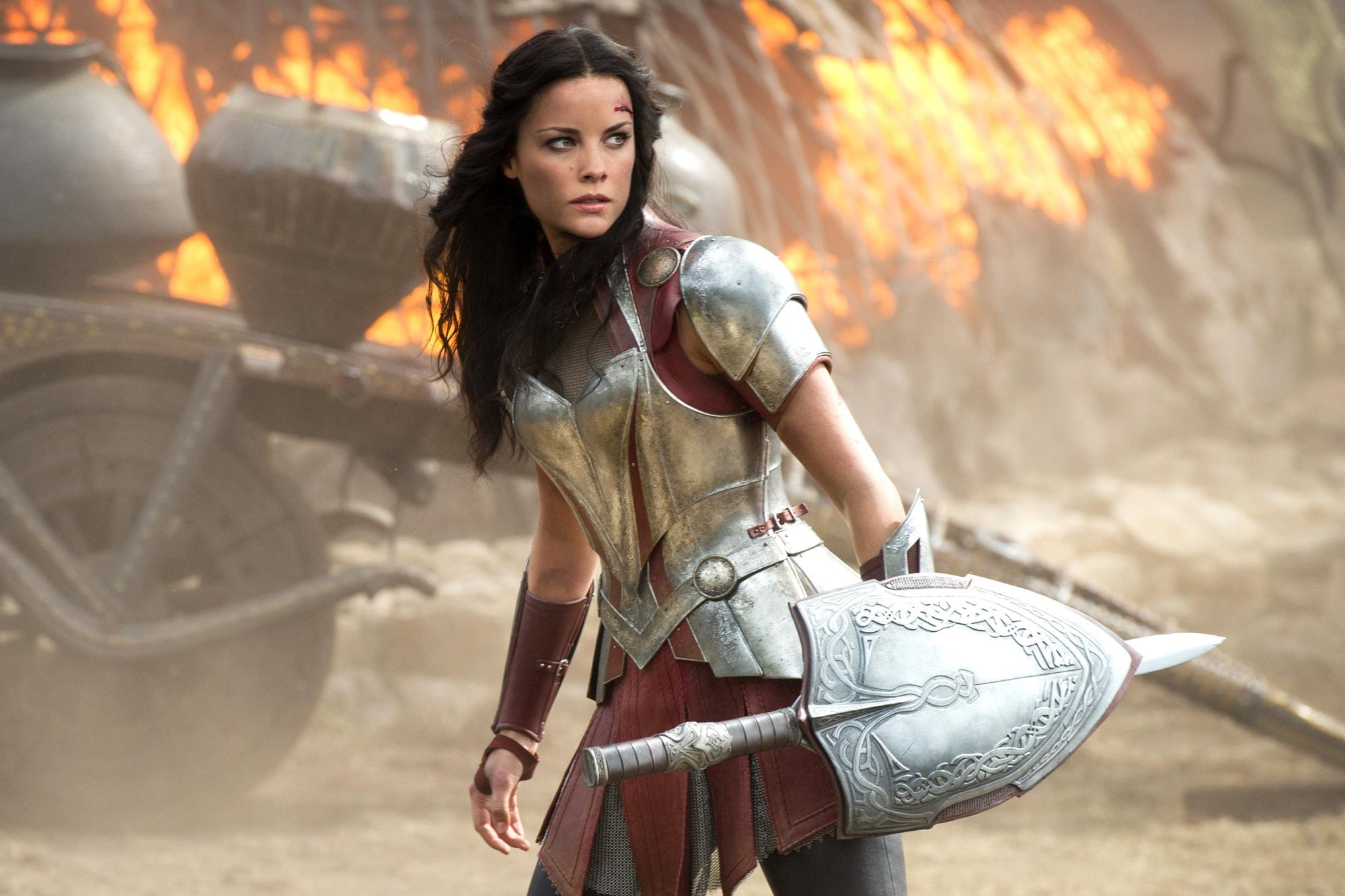 https://imgix.bustle.com/inverse/10/09/71/1e/06c2/4c88/b402/e3374f8abf46/jamie-alexander-as-sif-in-thor-the-dark-world-who-has-gone-entirely-missing-in-thor-ragnarok.jpeg