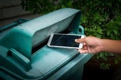 Trash smartphone