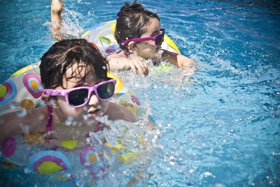 kids, pool pooping