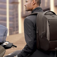 10 High Tech Backpacks Perfect for Your Black Friday Shopping List