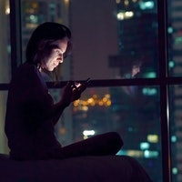 """Video: The Scientific Reason """"Night Owls"""" Are Punished in a 9-5 World"""