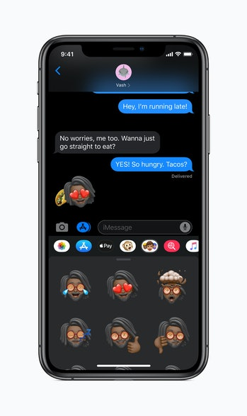 Memoji stickers and dark mode in action.