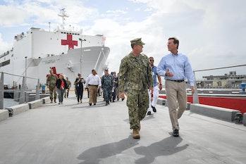 USNS Comfort pulls into San Juan, PR