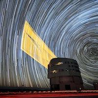 Long-Exposure Image Shows Telescope's Laser-Guided Mirror In Action