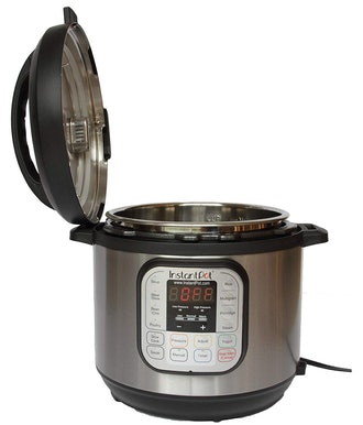 Multi-Use Programmable Pressure Cooker, Slow Cooker, Rice Cooker, Steamer, Sauté, Yogurt Maker and Warmer