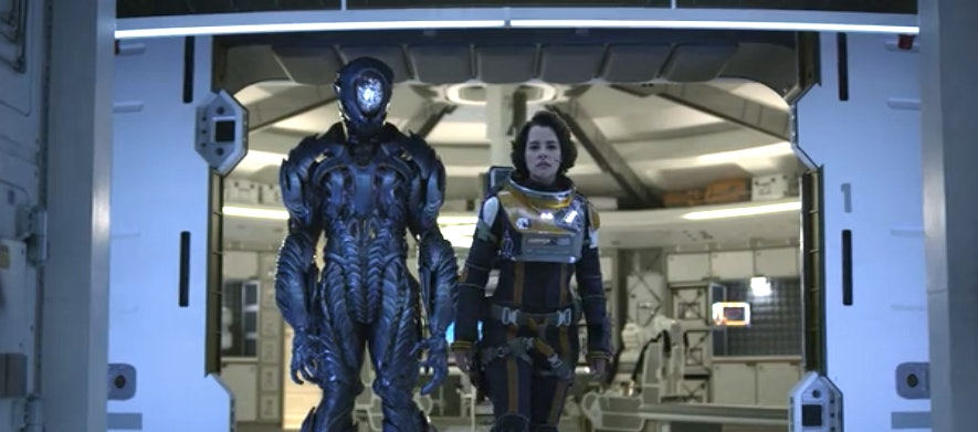 Lost In Space How The Robot Is Wildly Different From The Classic