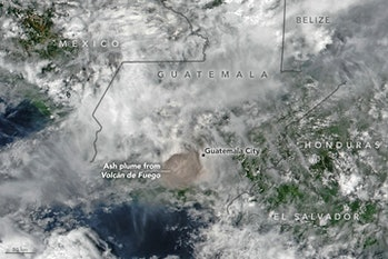 volcano, ash plume