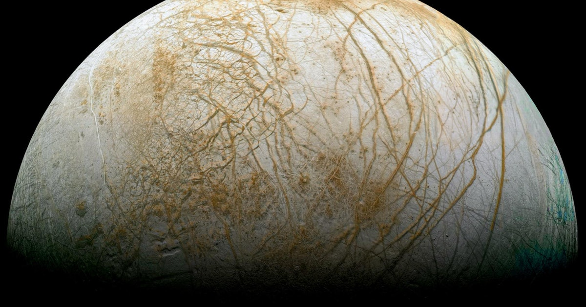 Alien Life on Jupiter's Moon Europa? It May Have Plate Tectonics