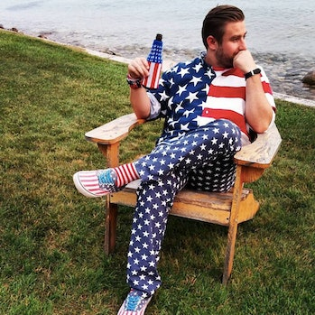 Seth Rich conspiracy theories fly over the internet after a private investigator alleges the former DNC staffer had contact with Wikileaks.