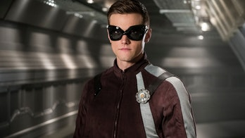 ralph dibny, aka the elongated man, in the flash season 4