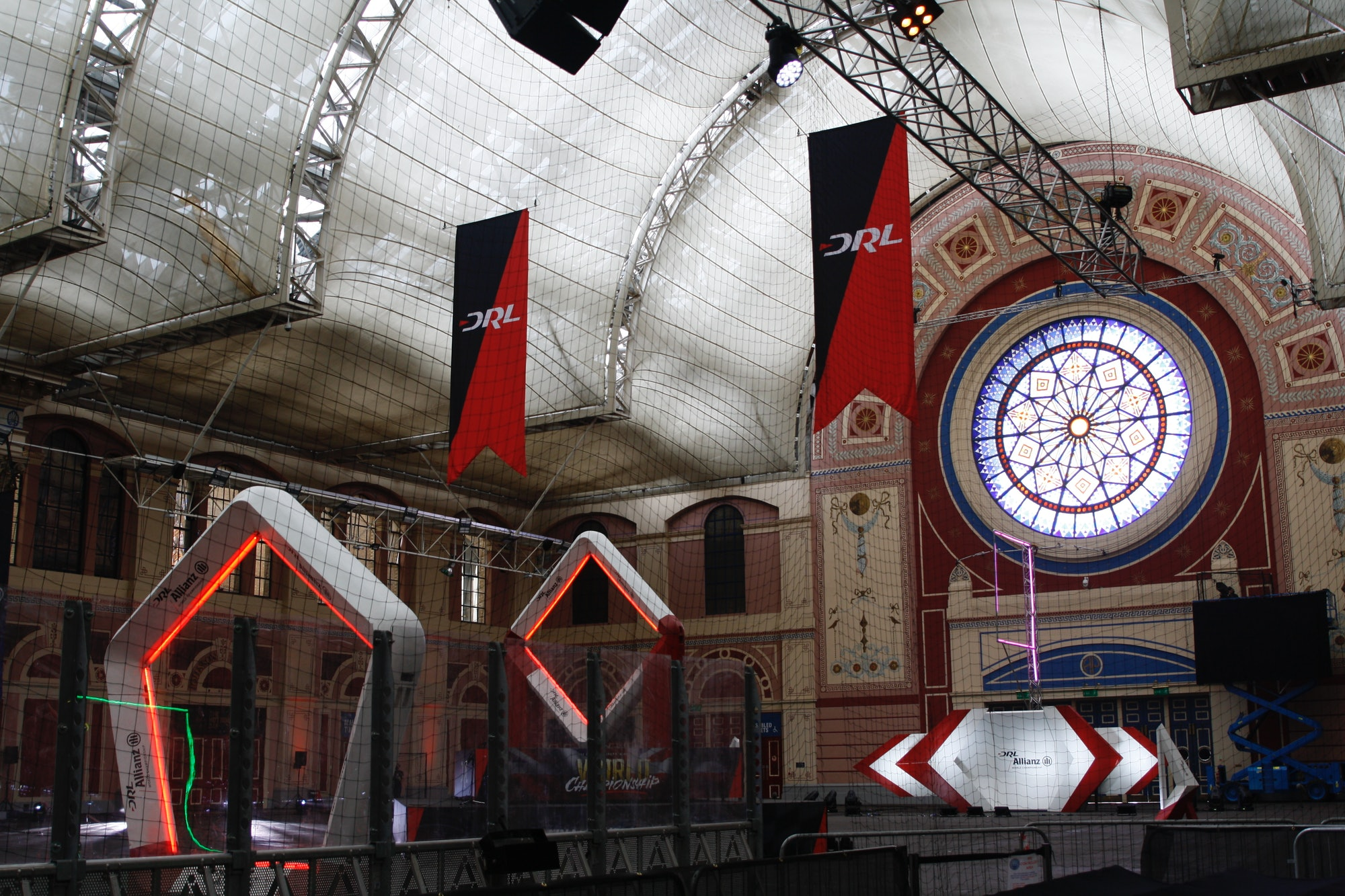 Alexandra Palace, ready for the race.