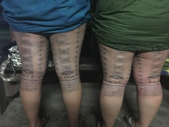 Two sisters display their malu, by Sulu'ape Tatau.