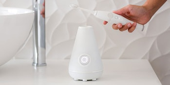 TAO Clean Sonic Toothbrush & Cleaning Station