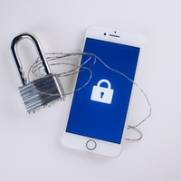 This Service Lets You Lock Down Your Phone Number & Stop Robocalls for Good