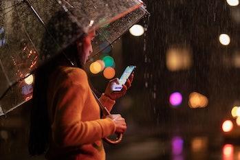 iPhone XS in rain.