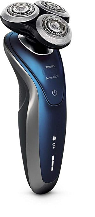 Philips Norelco Electric Shaver 8900 with SmartClean, Wet & Dry Edition