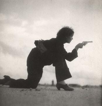 A Republican woman photographed by Gerda Taro.