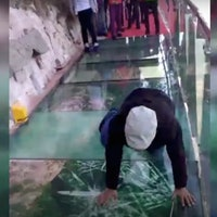 High-Tech Prank Makes Tourists Fear Falling to Their Deaths
