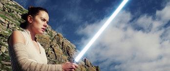 star wars episode 9 footage rey lightsaber