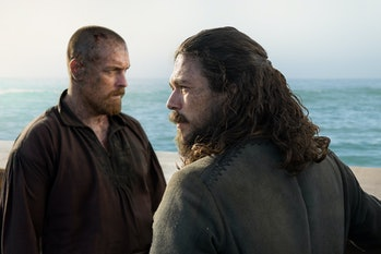 Toby Stephens as Flint and Luke Arnold as Silver in the 'Black Sails' Series finale