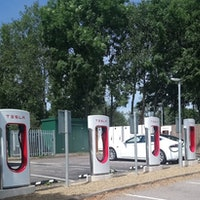 Tesla Supercharger: Spending A Day at the U.K.'s Busiest Supercharger