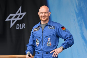 Astronaut Alexander Gerst giving speech.