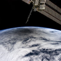 Space Station Astronaut Films a Solar Eclipse From Space