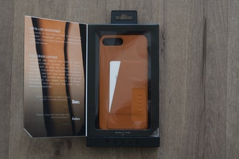 Mujjo leather case.