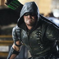 'Arrow' Kicks Off Season 5 By Setting Up a Bloody Confrontation