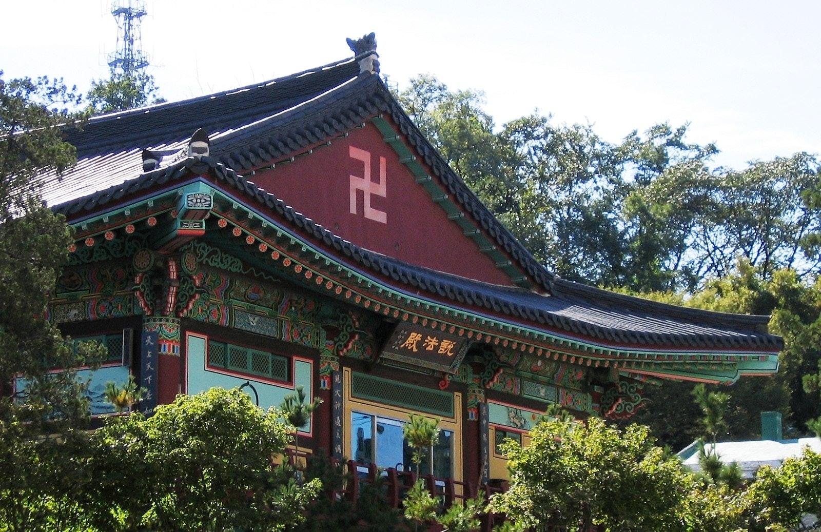 korean temple swastika