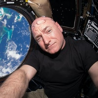 Astronaut Scott Kelly Announces April 1 Retirement