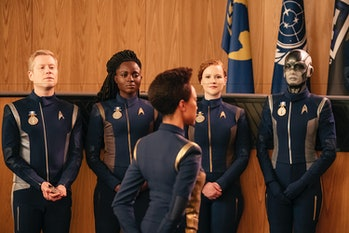 Burnham and the crew in the 'Discovery' finale.
