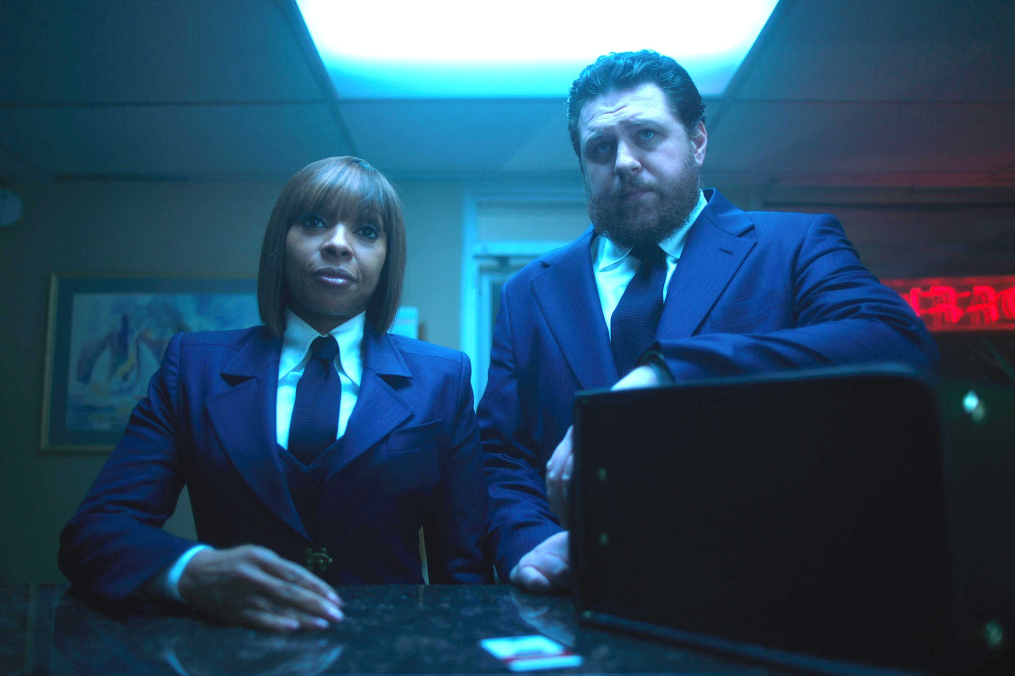 Britton (Hazel) with Mary J. Blige (Cha-Cha) in 'The Umbrella Academy'