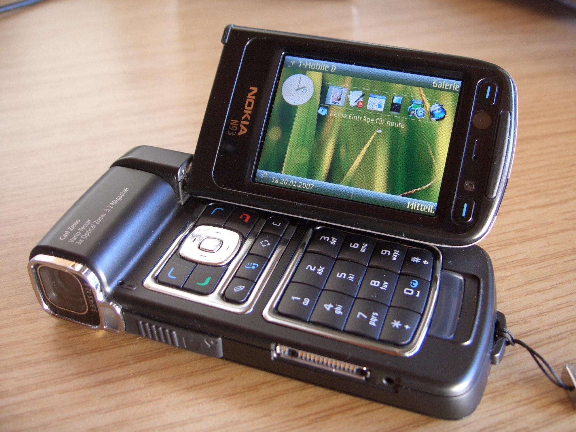 Nokia n93-1