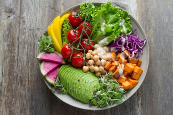 Eating more fruits, veggies, healthy fats, and certain spices for just three weeks helped significantly improve depression symptoms in young adults.