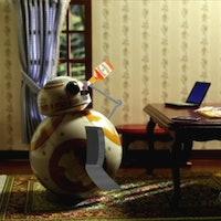 Nobody Hates the Porgs in 'The Last Jedi' More Than BB-8