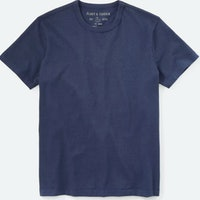 The Flint and Tinder Heavyweight Tee Is the Perfect Weekend Shirt