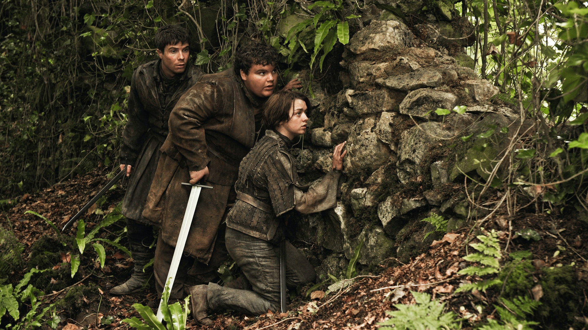 Joe Dempsie as Gendry Waters and Maisie Williams as Arya Stark in 'Game of Thrones' Season 3