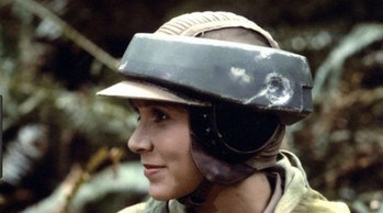 Leia wearing her helmet on Endor