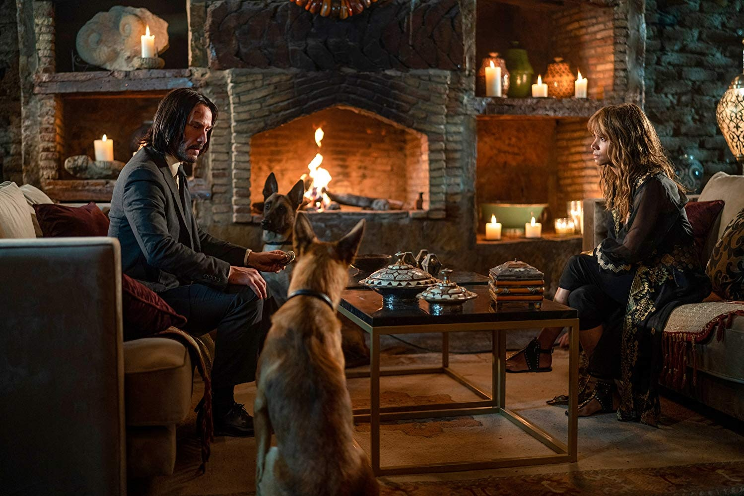 Keanu Reeves and Halle Berry in 'John Wick 3 - Parabellum'